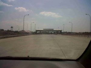 Gerbang Tol Banyumanik Lengang, Minggu (4/9) pk. 14.00